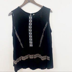 Japna black sleeveless peplum embroidery XL